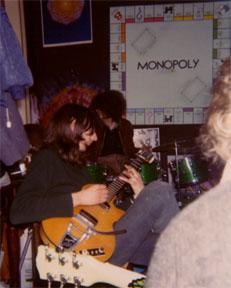 Barney B plays guitar at 307
